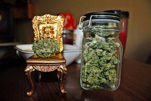 Weed Throne